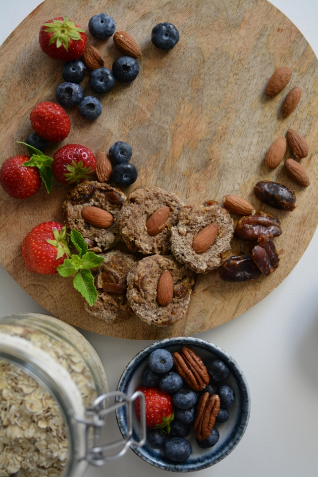 Healthy simple gluten free cookies with no refined sugar